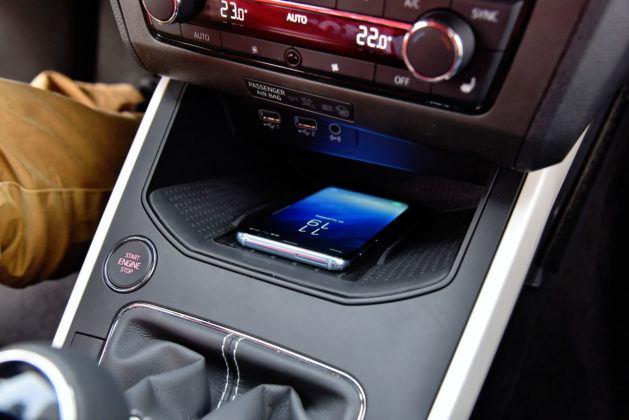 Seat Arona - bezprzewodowe ładowanie telefonu