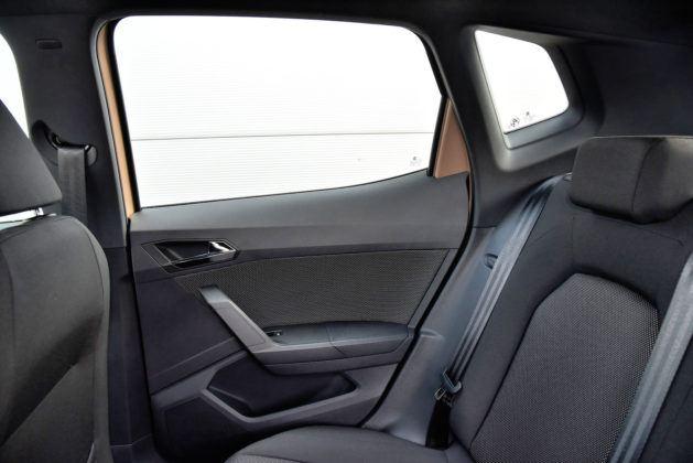 Seat Arona - tapicerka tylnych drzwi