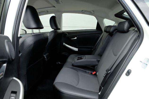 Toyota Prius III - tylna kanapa