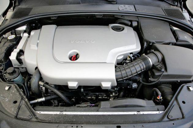 Volvo V70 III - silnik