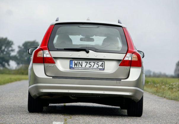Volvo V70 III - tył
