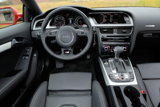 Audi A5 I - deska rozdzielcza