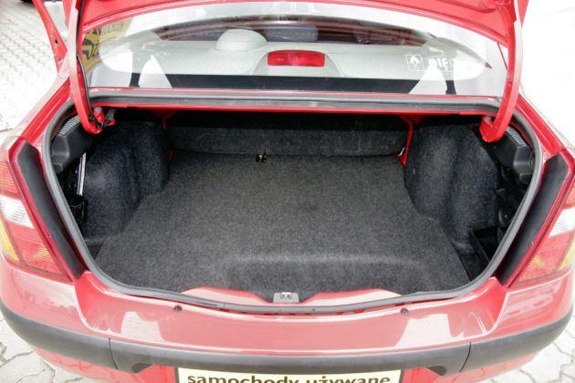 Auta miejskie - najlepszy - Renault Thalia (bagażnik)