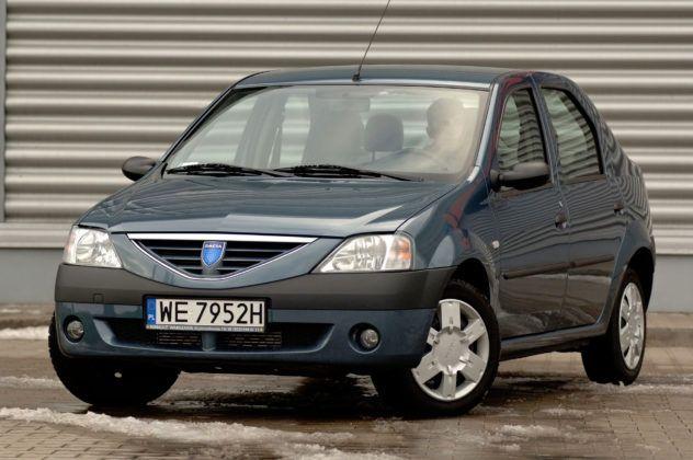 Dacia Logan koroduje niemal na całym nadwoziu.