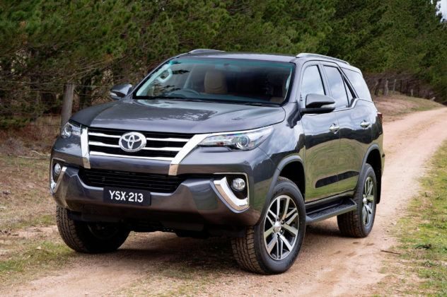 Filipiny - Toyota Fortuner