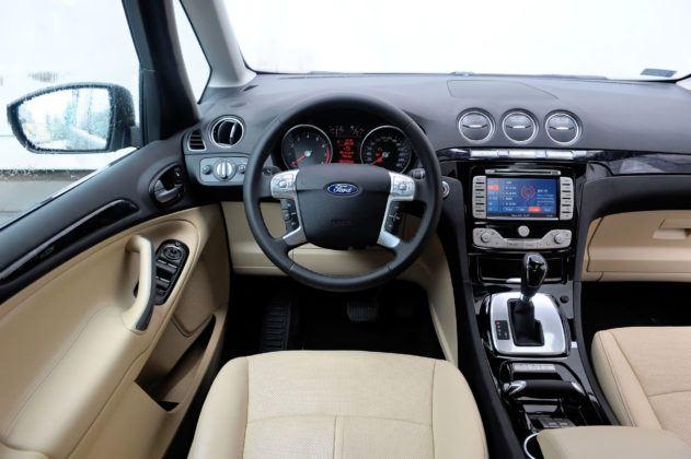 Ford Galaxy II - deska rozdzielcza