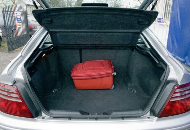 Honda Accord VI - bagażnik
