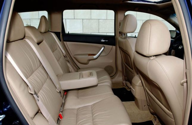 Honda Accord VII - tylna kanapa