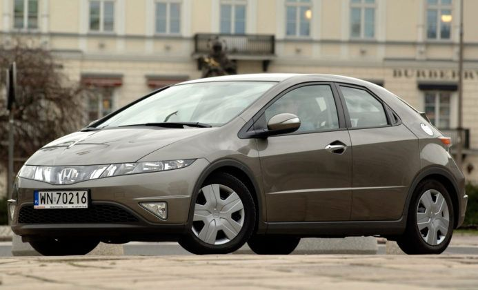 Honda Civic VIII - przód