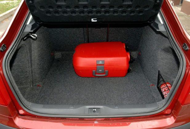 Kompakty - najlepszy - Skoda Octavia (bagażnik)