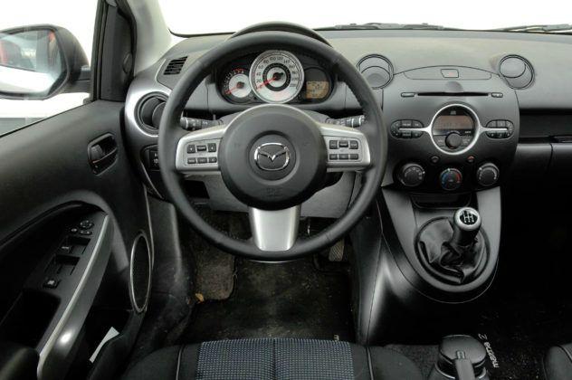 Mazda 2 III - deska rozdzielcza