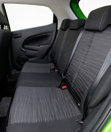 Mazda 2 III - tylna kanapa