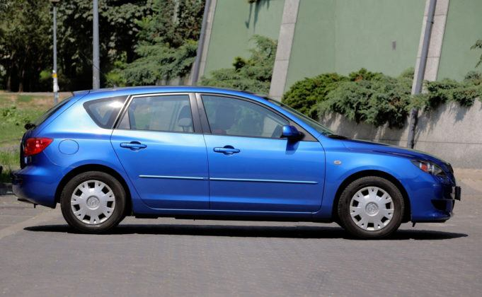 Mazda 3 I - bok
