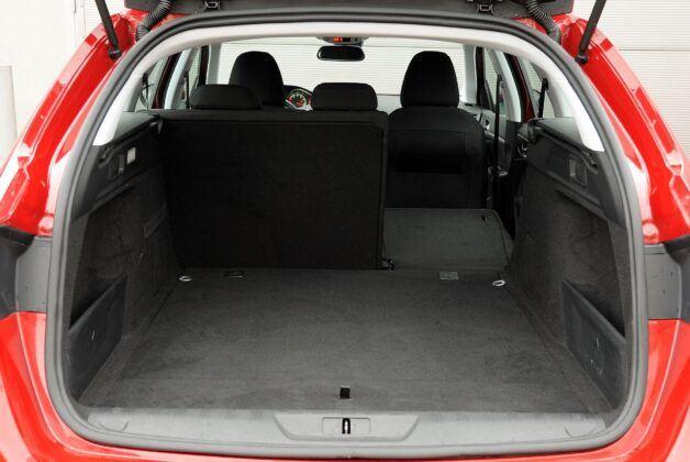 Peugeot 308 II bagażnik (5)