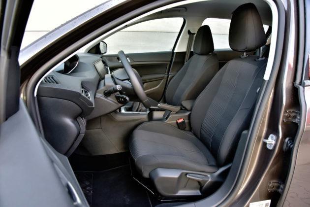 Peugeot 308 II - fotel kierowcy
