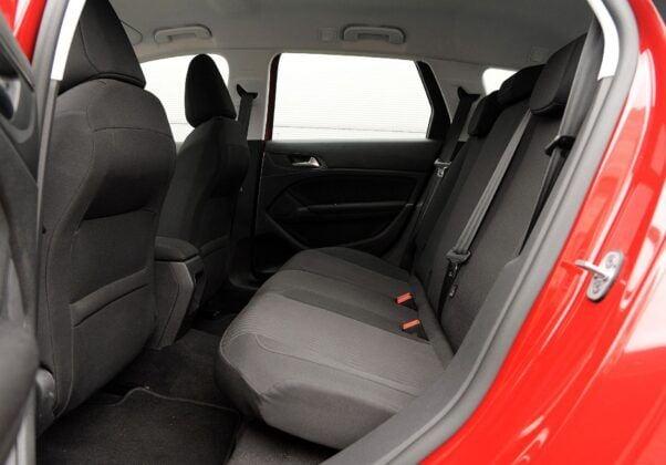 Peugeot 308 II kanapa (2)