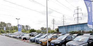 Komis z tanimi autami