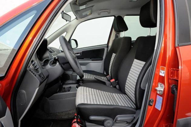 Suzuki SX4 - fotel kierowcy