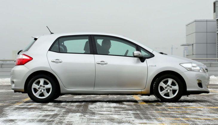 Toyota Auris I Hybrid - bok