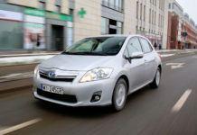 Toyota Auris I Hybrid - otwierające