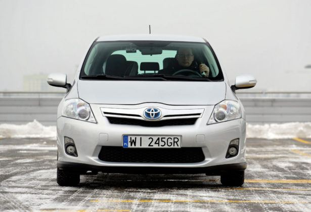 Toyota Auris I Hybrid - przód