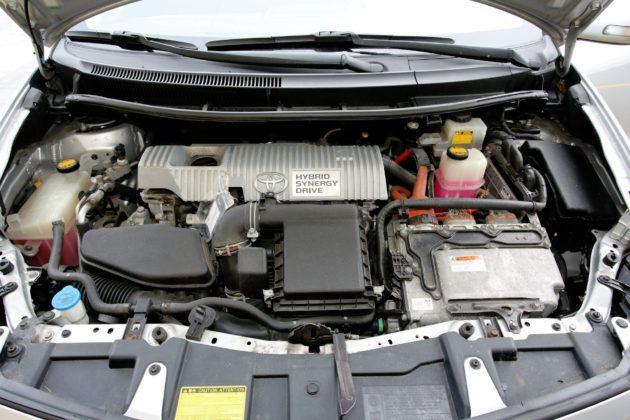 Toyota Auris I Hybrid - silnik