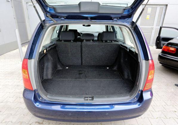 Toyota Corolla IX - bagażnik