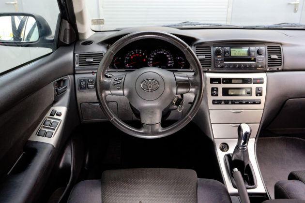 Toyota Corolla IX - deska rozdzielcza