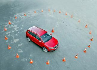 Porównanie średnic zawracania 70 modeli SUV-ów