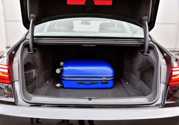 Audi A8 - bagażnik