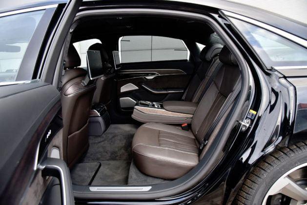 Audi A8 - tylna kanapa