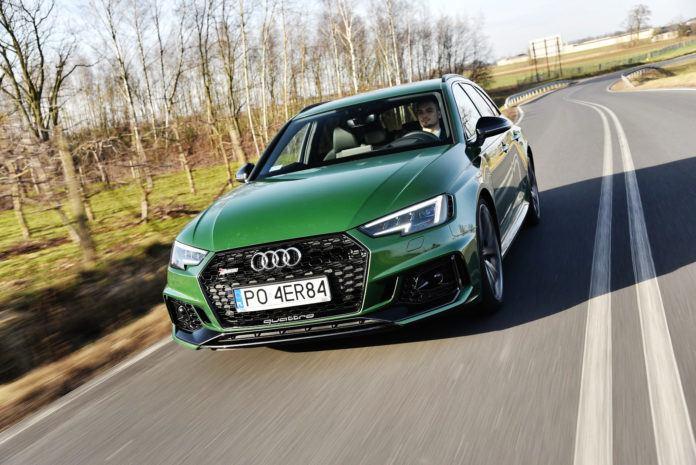 Audi RS 4 - otwierające