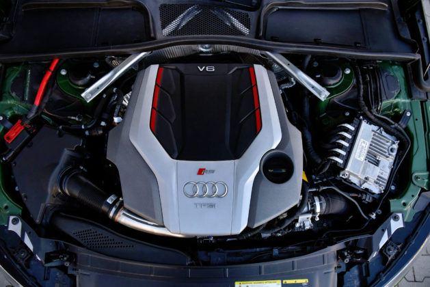 Audi RS 4 - silnik