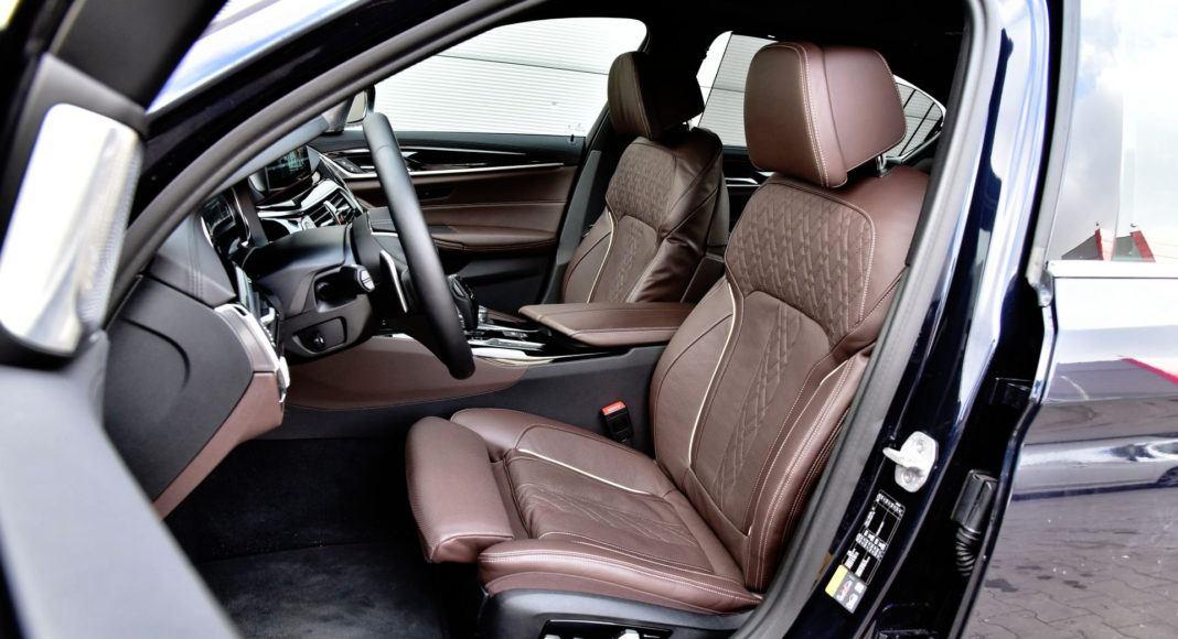 BMW 530e - fotel kierowcy