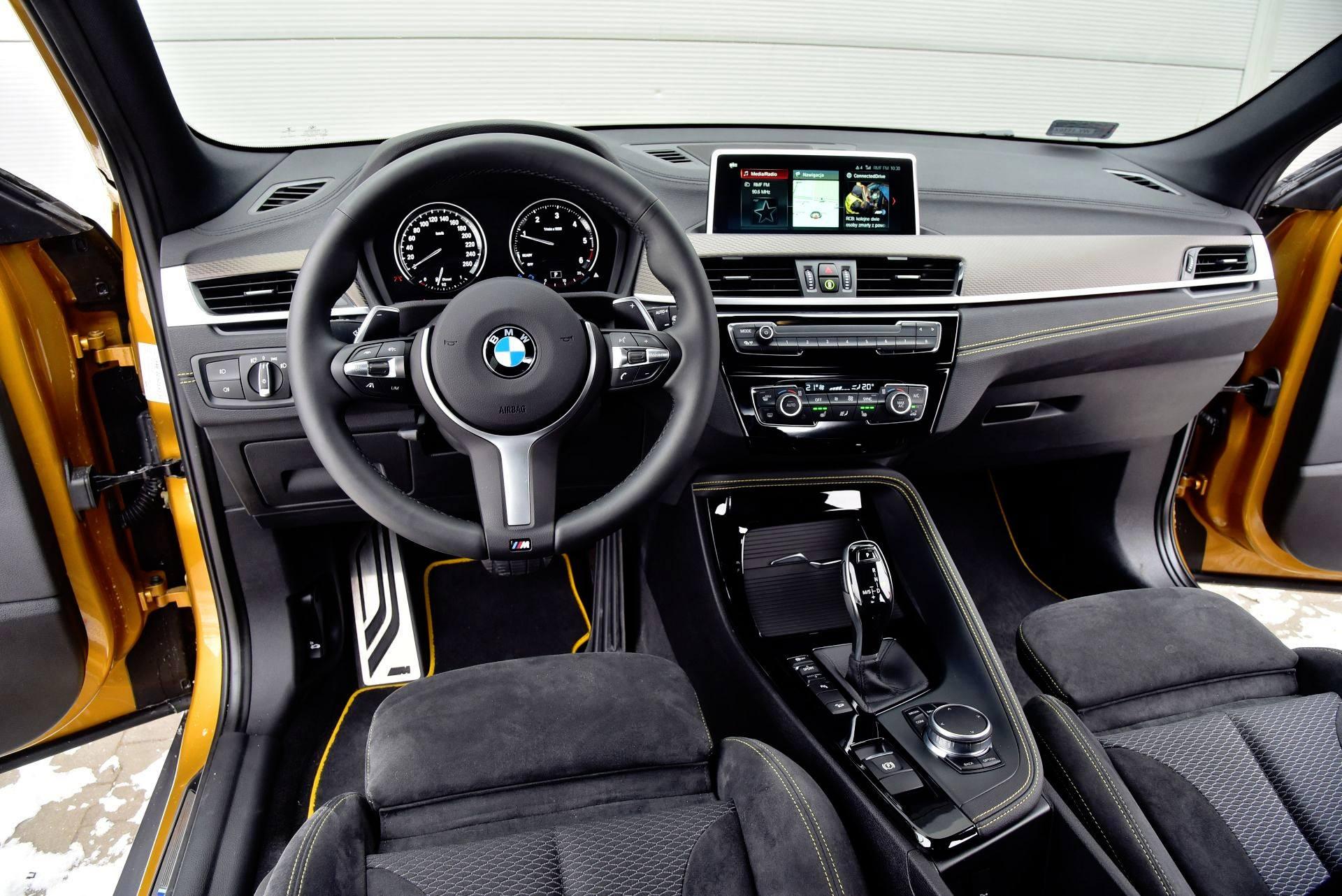 BMW X2 - deska rozdzielcza