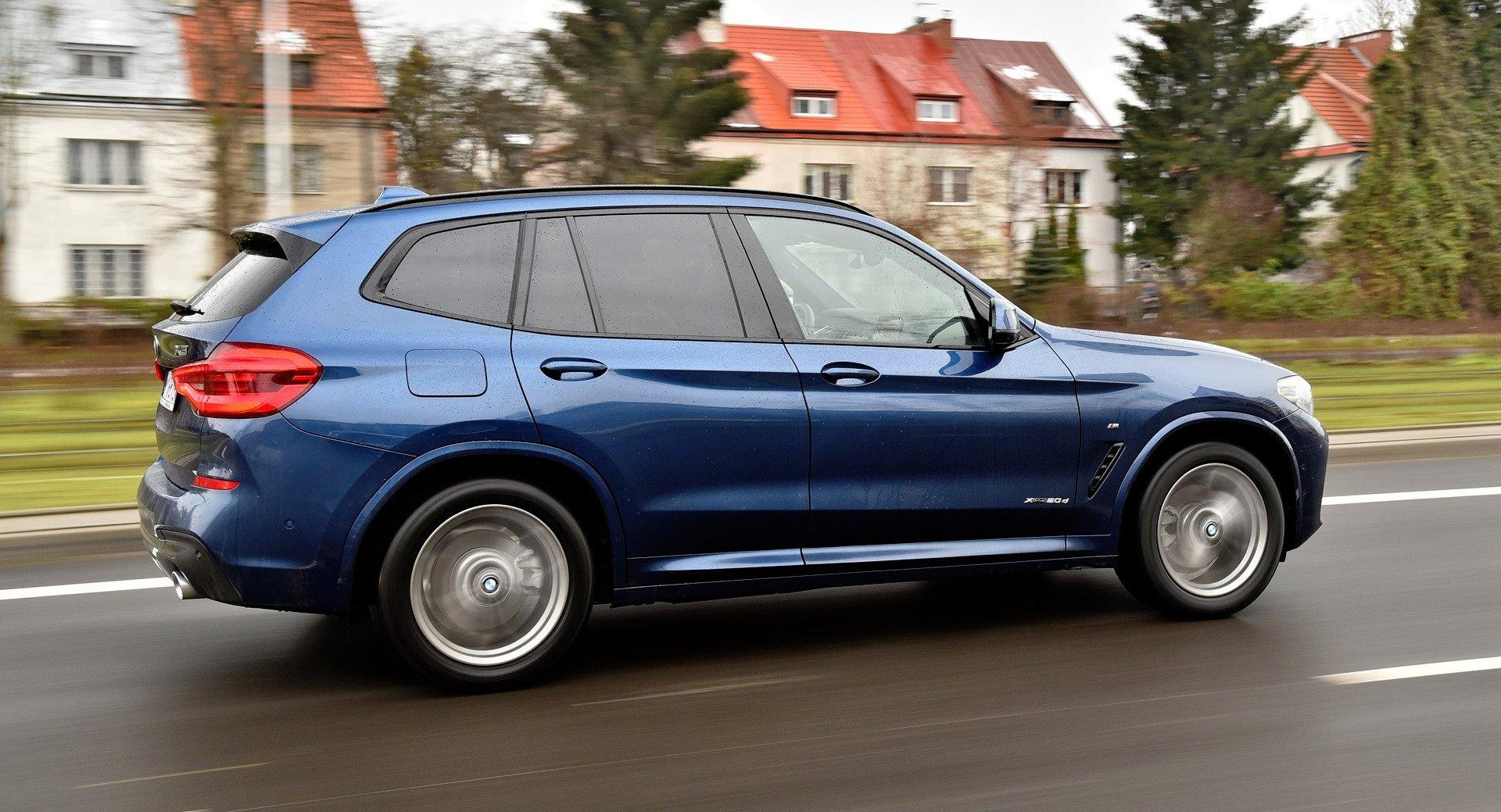 BMW X3 - bok