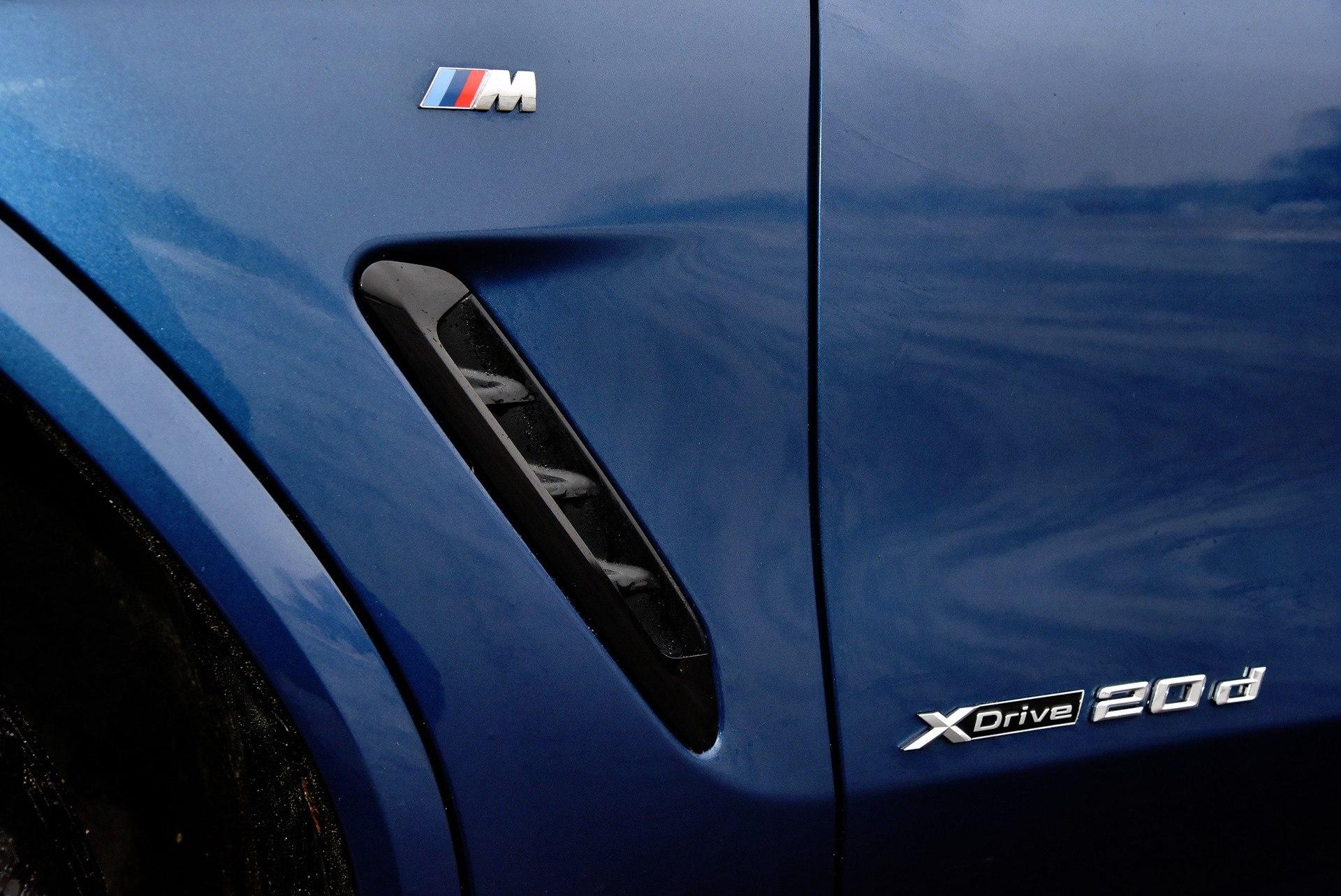 BMW X3 - emblematy