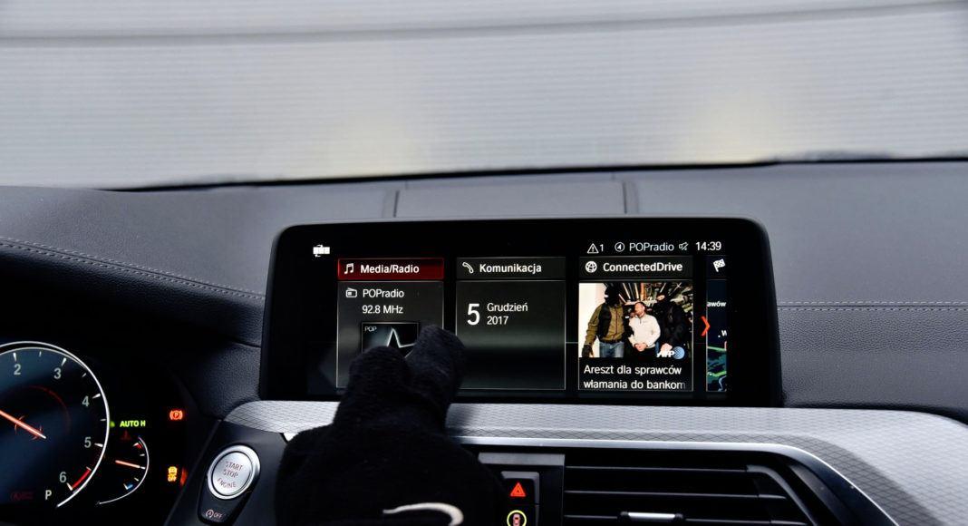 BMW X3 - obsługa gestami