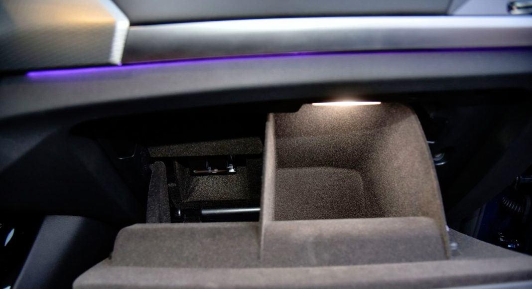 BMW X3 - schowek z dyfuzorem perfum