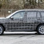 BMW X7 - bok
