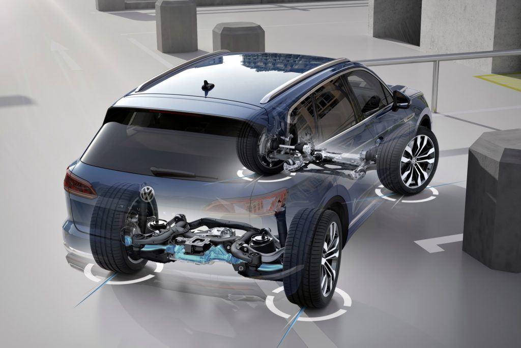 Volkswagen Touareg - system czterech kół skrętnych