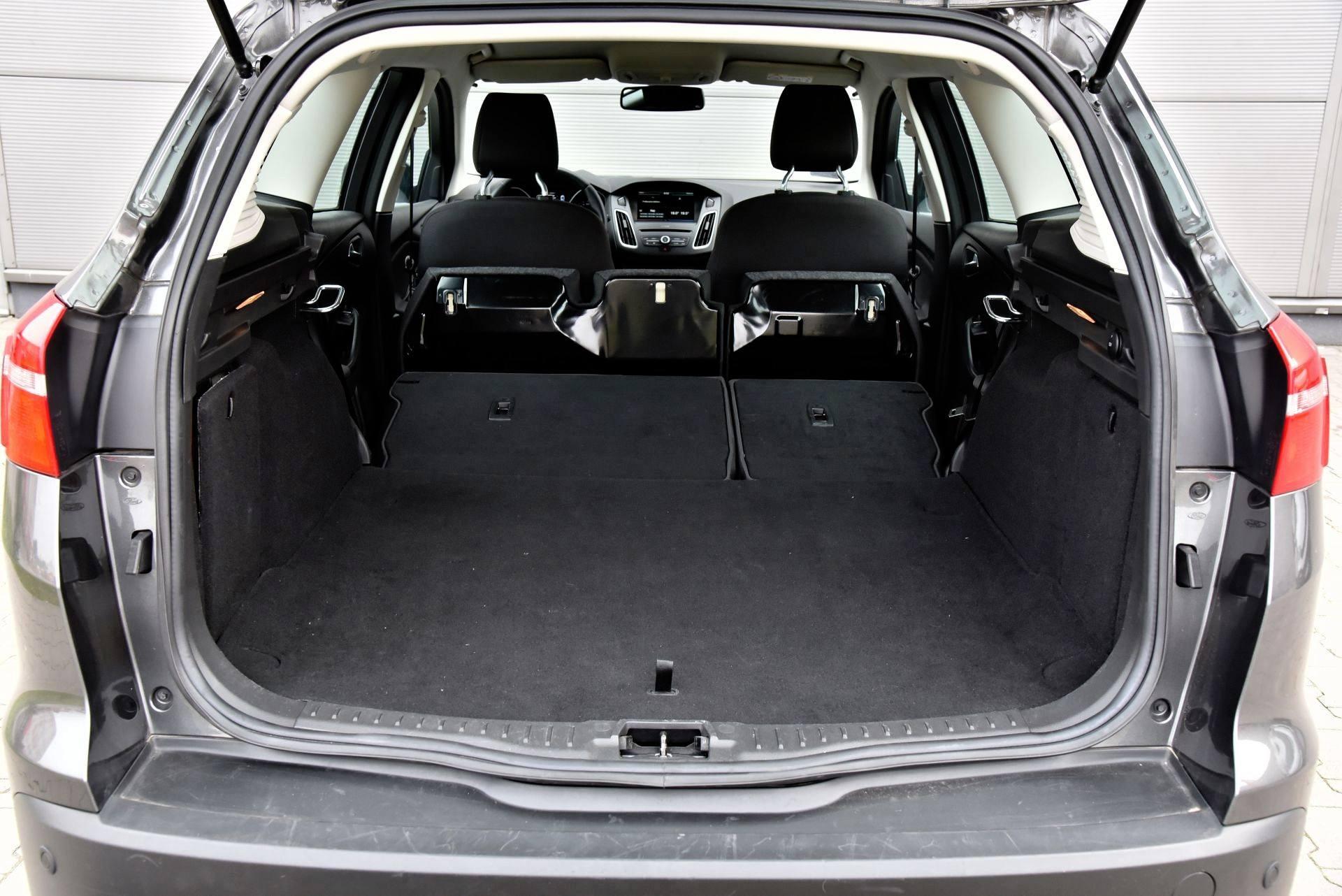 Ford Focus - powiększony bagażnik