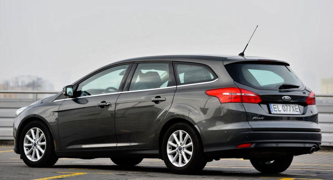 Ford Focus - tył