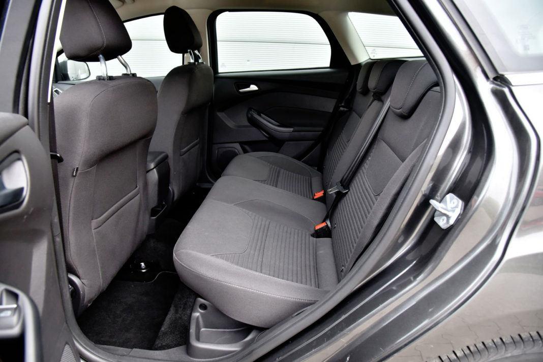 Ford Focus - tylna kanapa