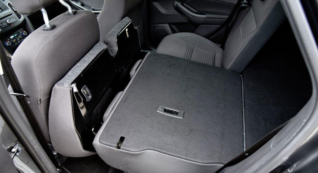 Ford Focus - złożona kanapa