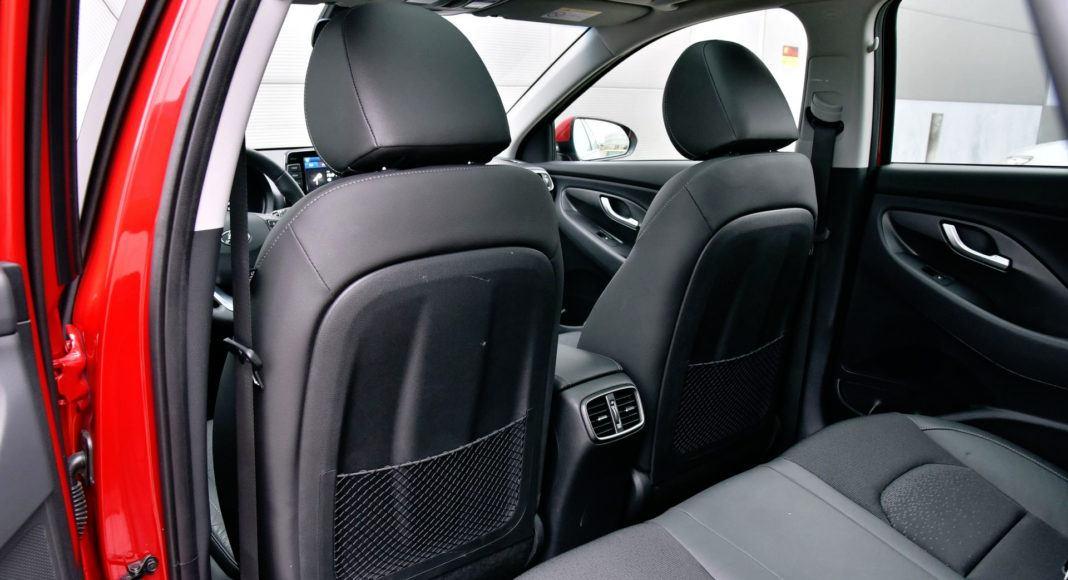 Hyundai i30 - oparcia foteli