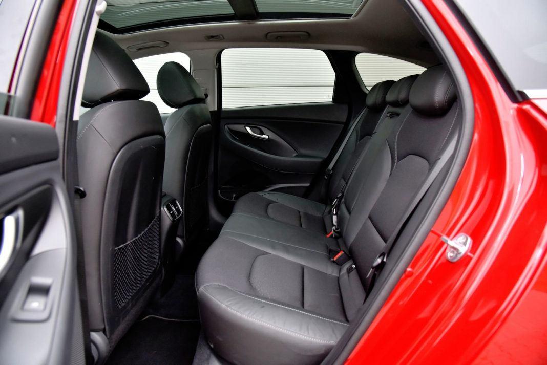 Hyundai i30 - tylna kanapa