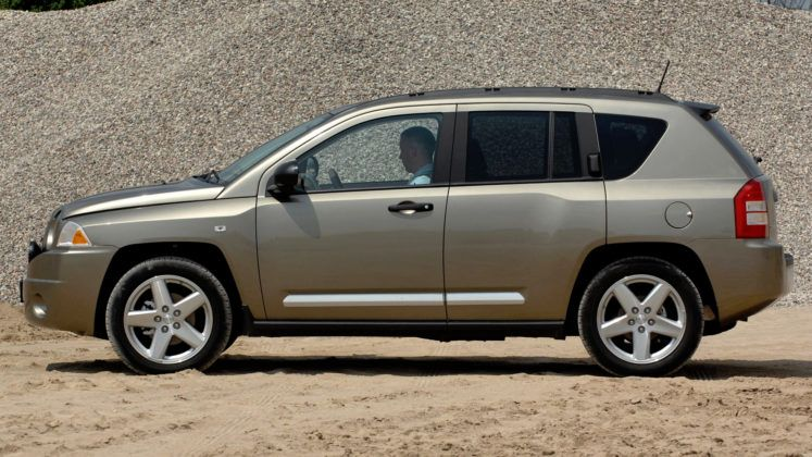 Jeep Compass - bok
