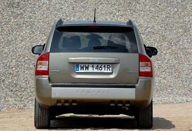 Jeep Compass - tył