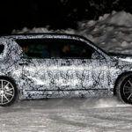 Mercedes GLB - bok